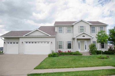 Bettendorf Single Family Home For Sale: 6260 Buckskin