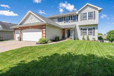 Davenport IA Single Family Home For Sale: $330,000