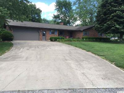 Versailles IL Single Family Home For Sale: $199,900