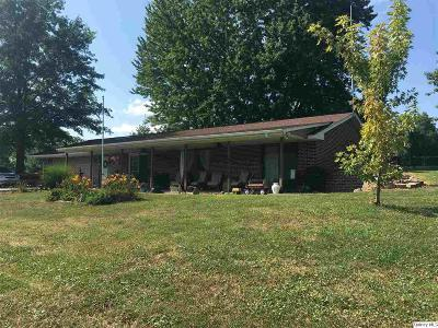 Rushville IL Single Family Home Contingent - Show: $92,500