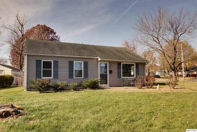 Quincy IL Single Family Home Contingent - Show: $97,500