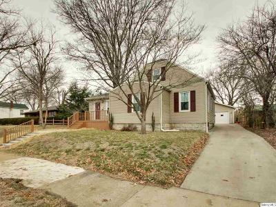 Quincy IL Single Family Home For Sale: $128,000