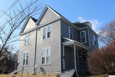 Quincy IL Multi Family Home For Sale: $110,000