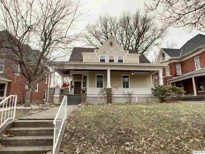 Quincy IL Single Family Home For Sale: $154,000