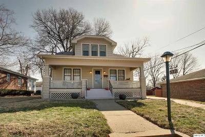 Quincy Single Family Home For Sale: 522 N 22nd