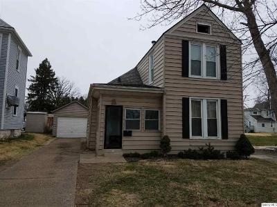 Quincy IL Single Family Home For Sale: $69,900
