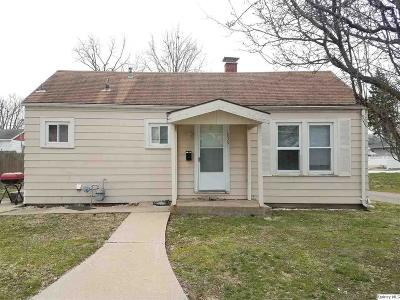 Quincy IL Single Family Home Contingent - Show: $39,900