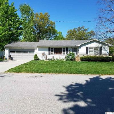 Quincy IL Single Family Home For Sale: $127,000