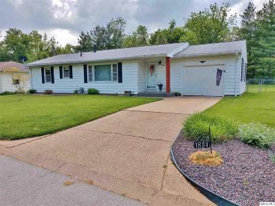Quincy IL Single Family Home For Sale: $144,000