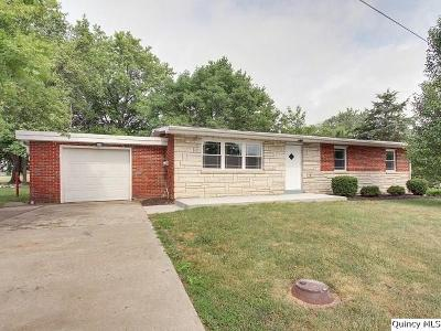 Quincy IL Single Family Home Contingent - Show: $118,500