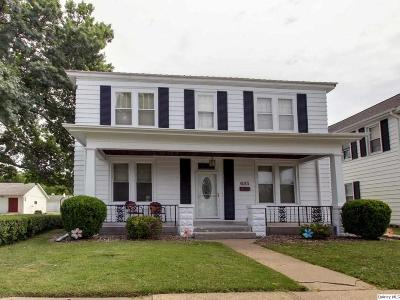Quincy IL Single Family Home Contingent - Show: $99,000