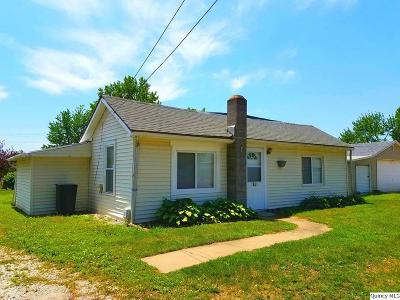 Quincy IL Single Family Home Contingent - Show: $37,500