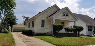 Quincy IL Single Family Home Contingent - Show: $79,900