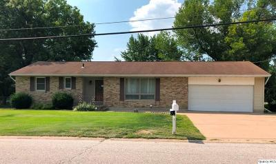 Quincy IL Single Family Home For Sale: $139,900