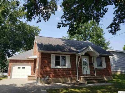 Quincy IL Single Family Home For Sale: $119,000