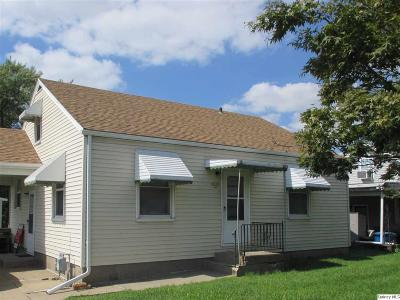 Quincy IL Single Family Home Contingent - Show: $89,900