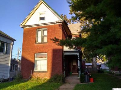 Quincy IL Single Family Home For Sale: $29,900