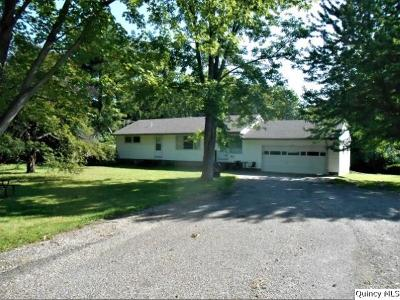 Quincy IL Single Family Home Contingent - Show: $117,500