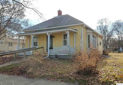 Quincy IL Single Family Home For Sale: $54,900