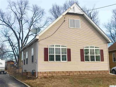 Quincy IL Single Family Home For Sale: $52,000