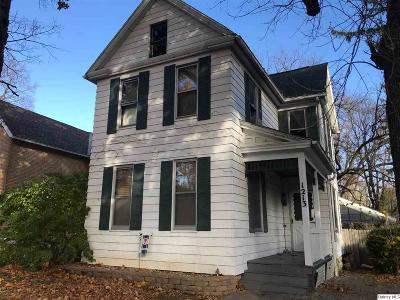 Quincy IL Single Family Home For Sale: $69,000
