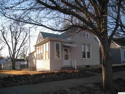 Quincy IL Single Family Home For Sale: $79,500