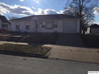 Quincy IL Single Family Home Contingent - Show: $129,500