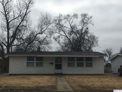 Quincy Single Family Home Contingent - Show: 2046 Maple St