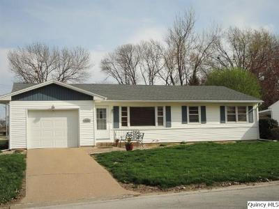 Quincy IL Single Family Home For Sale: $136,500