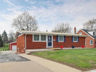 Quincy IL Single Family Home Contingent - Show: $127,500