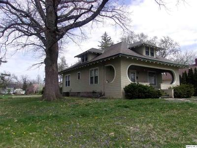 Quincy IL Single Family Home For Sale: $157,500