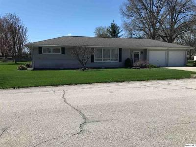 Quincy IL Single Family Home For Sale: $130,000
