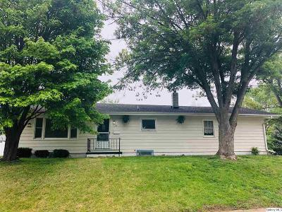 Quincy IL Single Family Home Contingent - Show: $88,500