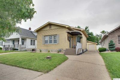 Quincy IL Single Family Home Contingent - Show: $117,900