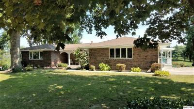 Quincy IL Single Family Home Contingent - Show: $273,500