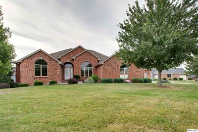 Quincy IL Single Family Home Contingent - Show: $379,900
