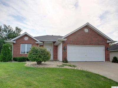 Quincy IL Single Family Home Contingent - Show: $179,900