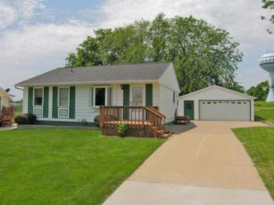 Single Family Home Sold: 1483 Glenwood