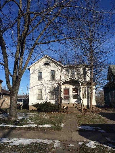 Clinton Multi Family Home For Sale: 322 1st