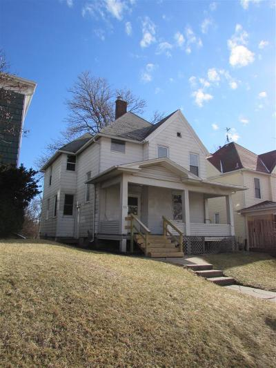 Davenport IA Single Family Home For Sale: $41,000