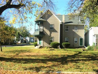 Clinton Single Family Home For Sale: 1100 Main