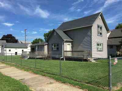 Clinton Single Family Home For Sale: 1702 Roosevelt