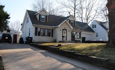 Clinton IA Single Family Home For Sale: $98,000