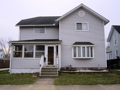 Clinton County, Whiteside County Single Family Home For Sale: 711 11th Ave S