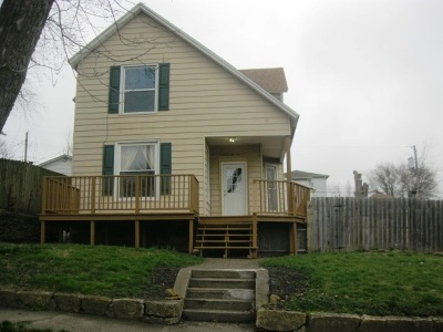 Clinton County, Whiteside County Single Family Home For Sale: 722 14th Ave S