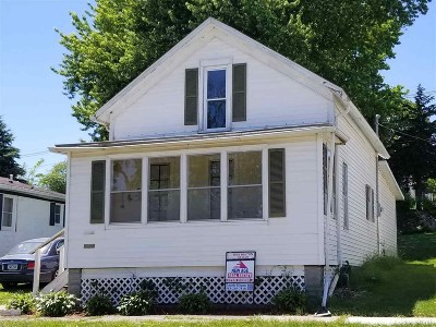 Single Family Home For Sale: 3010 Garfield