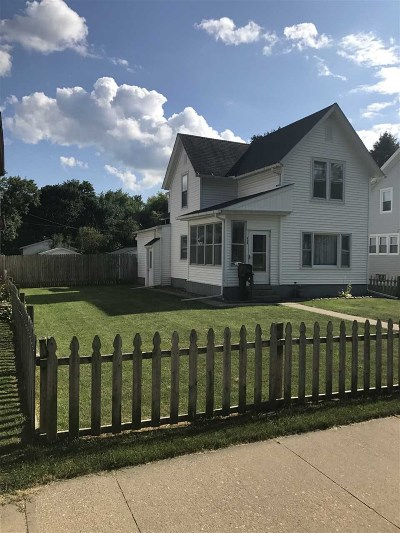 Clinton County, Whiteside County Single Family Home For Sale: 819 4th Ave S