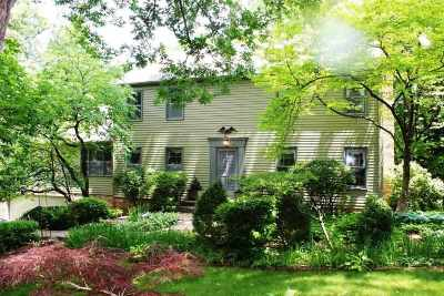 Bettendorf Single Family Home For Sale: 2875 Hickory Hills
