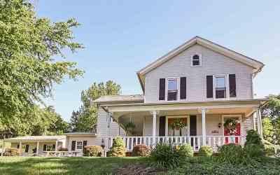 Bettendorf Single Family Home For Sale: 2002 Mississippi