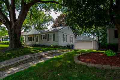 Scott County Single Family Home For Sale: 1420 Lincoln